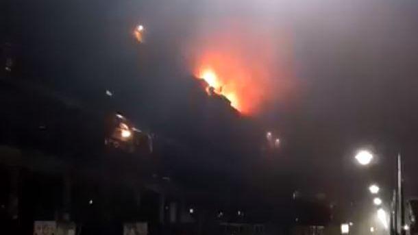 Cinco personas fueron hospitalizadas al incendiarse un edificio en Puerto Madero