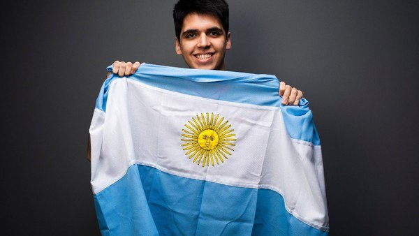 FIFA eWorld Cup: complicado debut del argentino que compite en el Mundial