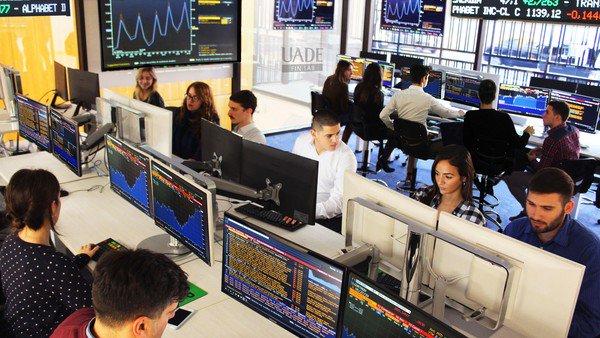 Crece la oferta de cursos para entrar al mundo de las finanzas