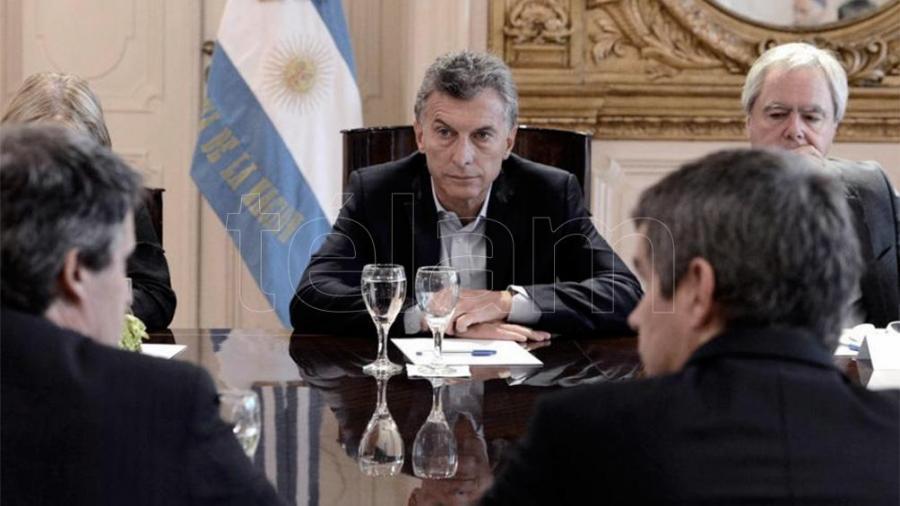 Macri encabeza una reunión de gabinete y recibe al ministro Aguad