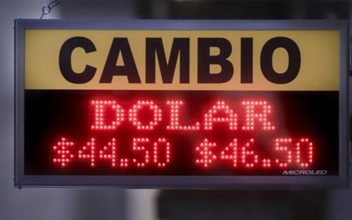 A días de las PASO, el dólar abre por encima de los $46