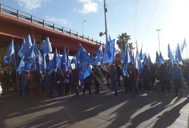 Corte en el nudo vial por una protesta de gremios