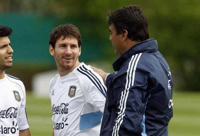 """Messi despidió al Tata, """"un referente tan querido de nuestro fútbol"""""""