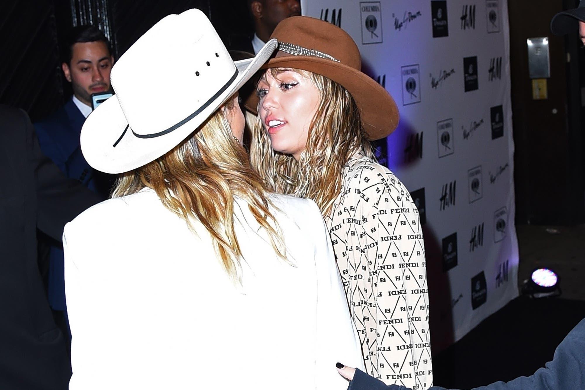 Cada vez más juntas: Miley Cyrus festejó el cumpleaños de Kaitlynn Carter