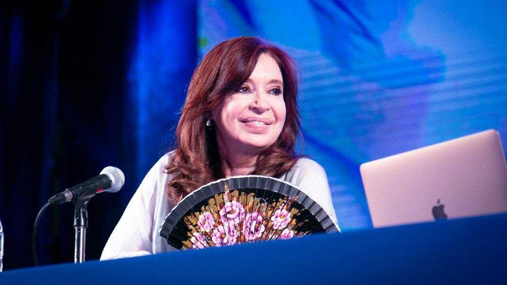 """Cristina Fernández: """"La gente no vota a un presidente para que le eche la culpa a otro"""""""