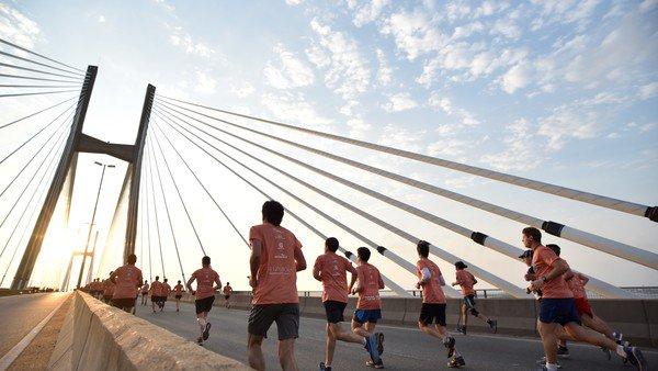 Este domingo, miles correrán sobre el puente Rosario-Victoria