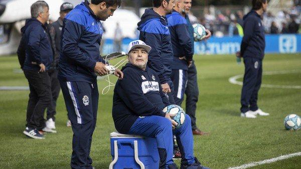 Si Maradona no lo arregla, te hace creer que vos podés hacerlo