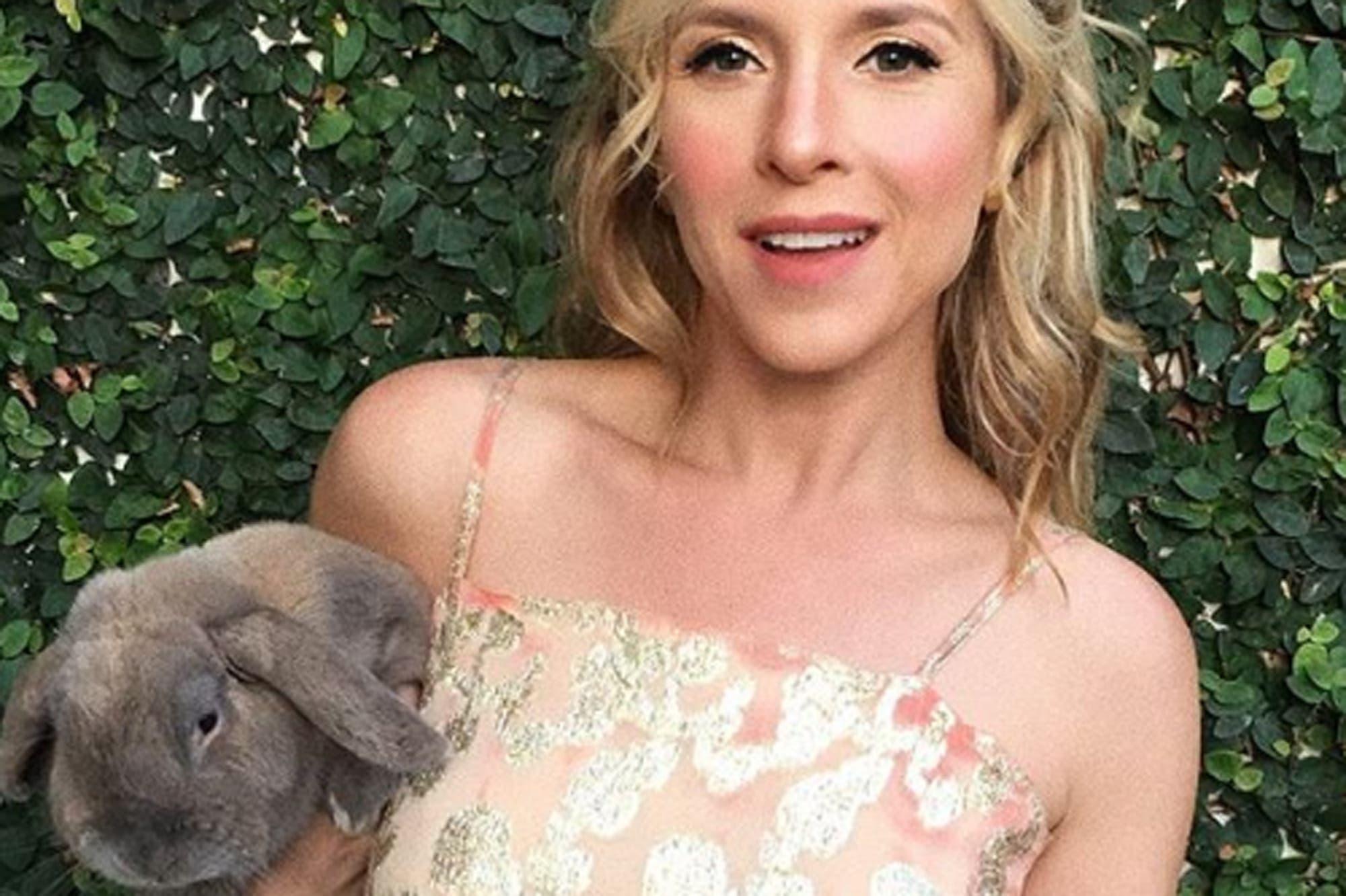 """Carla Peterson se despidió de su conejo Ricardo: """"Las galeras de los magos se quedaron vacías"""""""