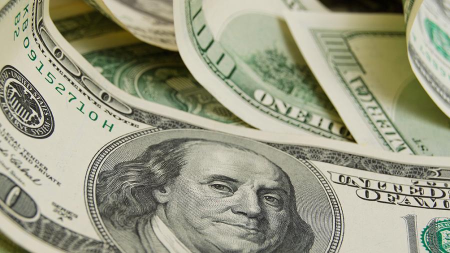 El dólar subió 33 centavos y cerró en promedio a $58,77