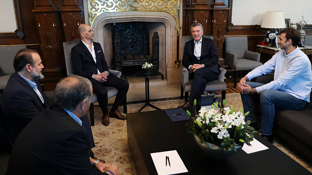 Macri recibió al técnico de la selección de básquet y a uno de los subcampeones del mundo
