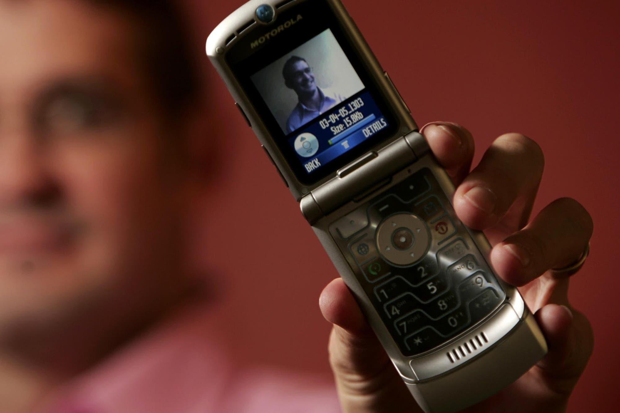 Motorola Razr V3: a 15 años de un clásico que iba a vender 300 mil unidades y llegó a 130 millones