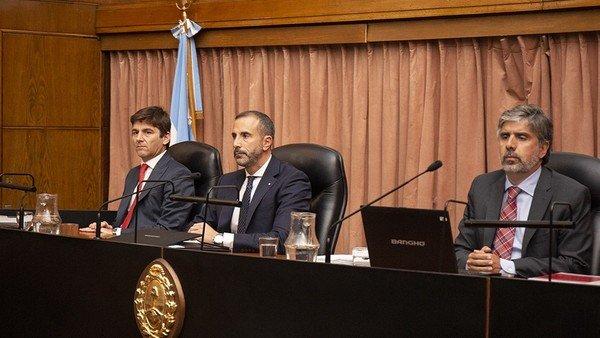 Quiénes son los jueces del tribunal que juzga a Cristina Kirchner