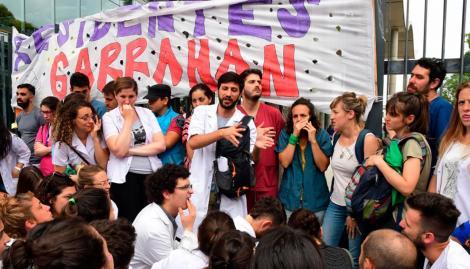 En plena protesta, el Gobierno porteño derogó la ley de médicos residentes
