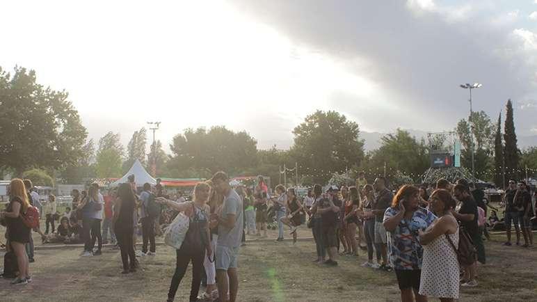 Segunda noche de la Fiesta de la Cerveza con un cierre de lujo: Ciro y Los Persas