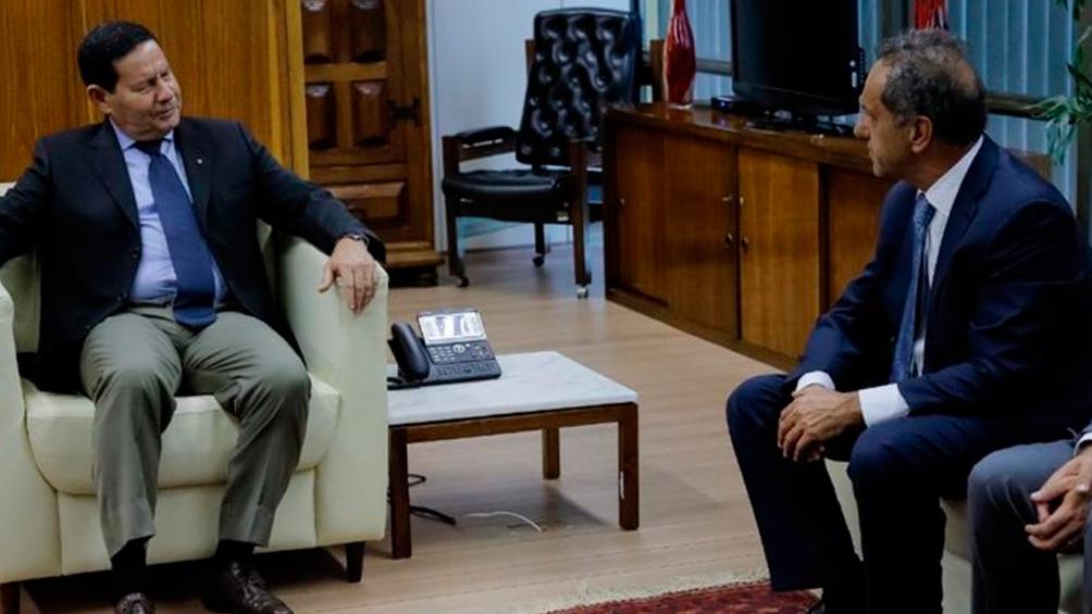 Scioli se reunió con el vicepresidente Mourao y el ministro Terra