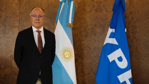 Guillermo Nielsen asumió como presidente de YPF