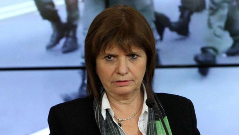 """Patricia Bullrich: """"Cambiaron República por monarquía, una democracia clausurada a la oposición"""""""