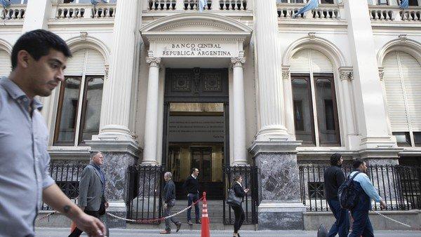 Por una decisión del Central, podría no haber bancos el 24 y el 31 de diciembre