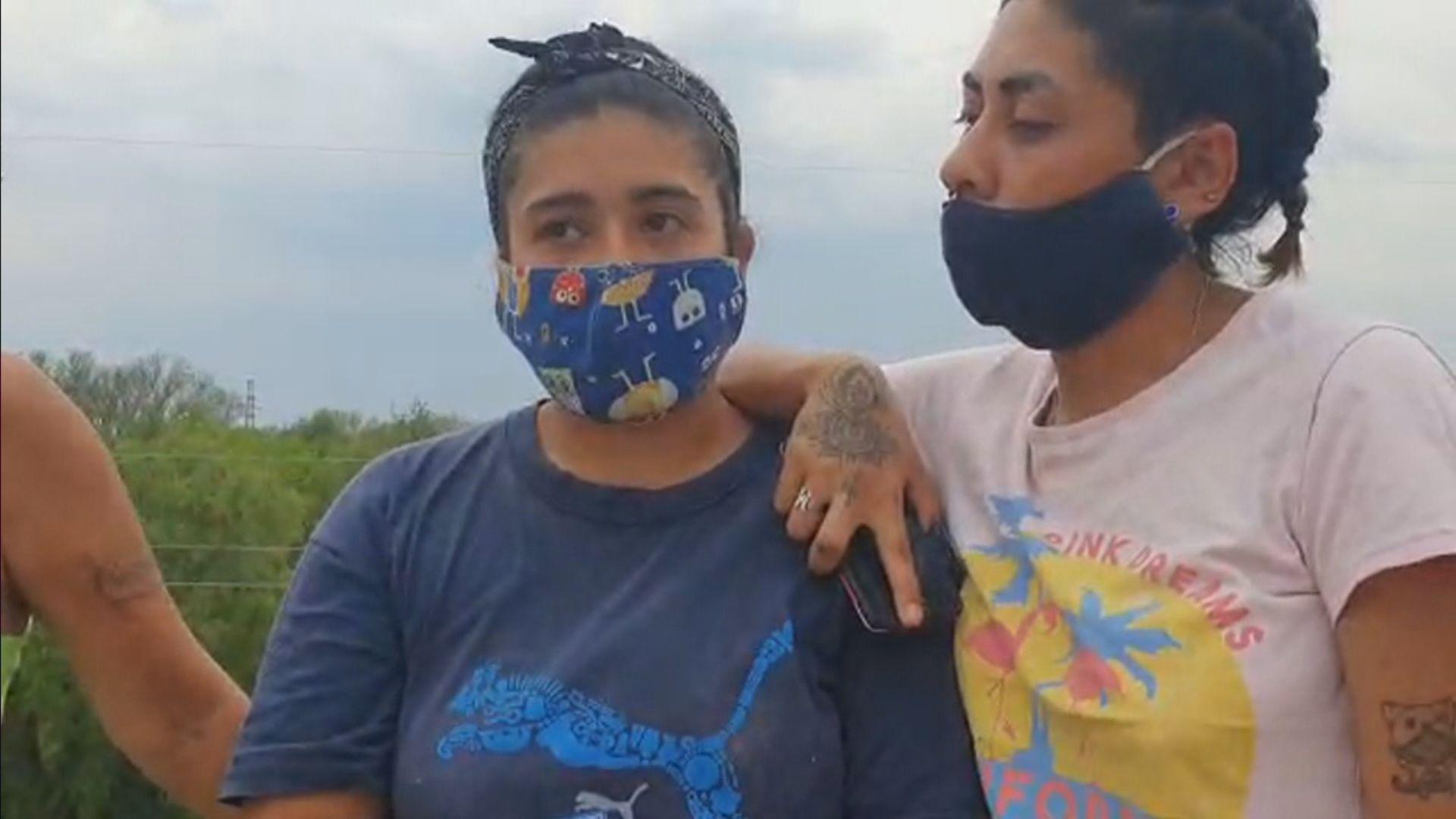 Parecen presos, pero son varados: el drama de los que esperan mercadería en el puente entre Formosa y Chaco