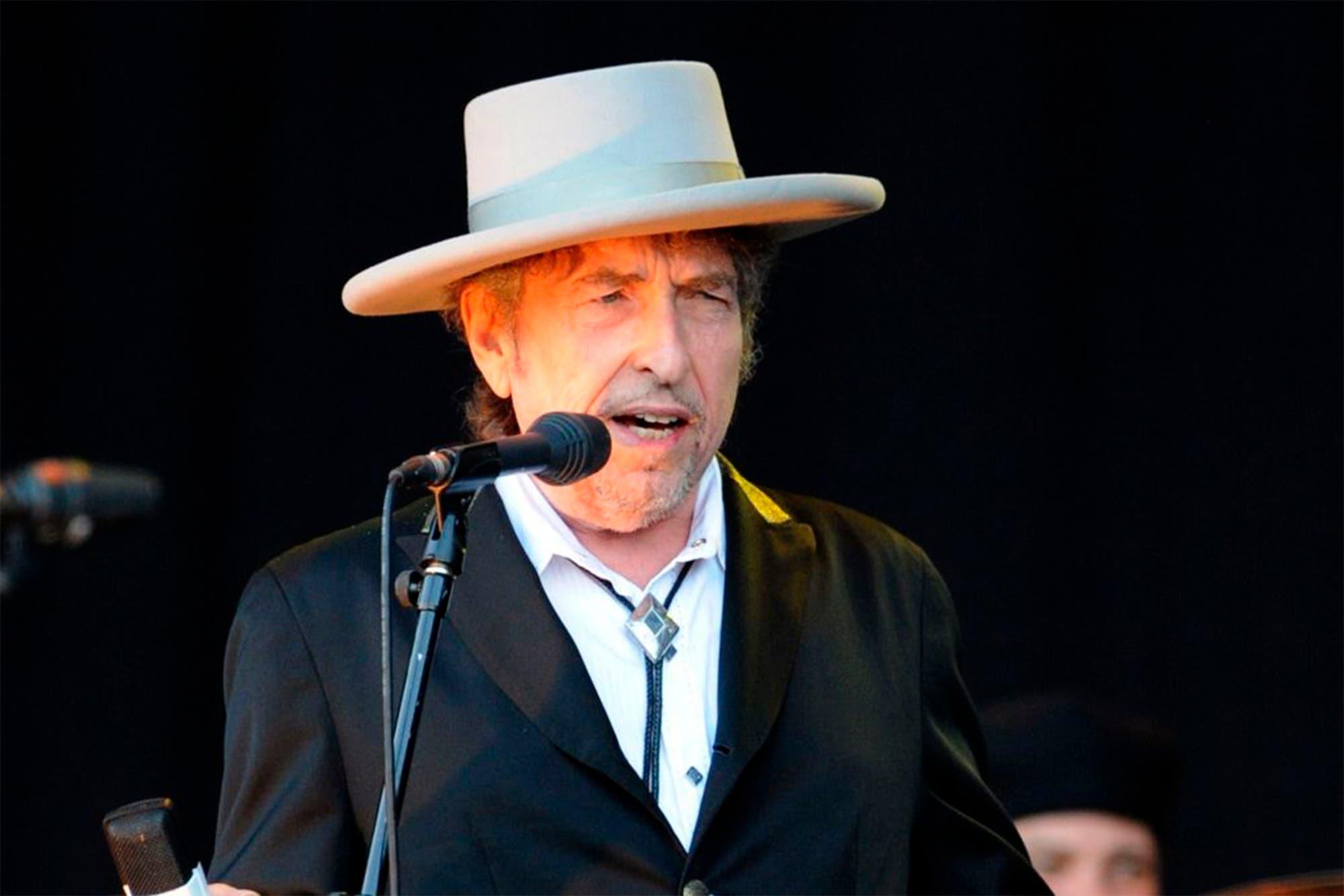 bob-dylan-vende-su-catalogo-entero-de-600-canciones-a-universal-music-por-300-millones-de-dolares