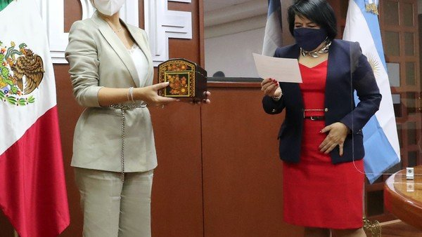 fabiola-yanez-se-reunio-con-autoridades-de-la-asistencia-social-de-mexico