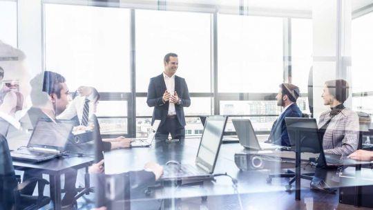 liderazgo:-en-las-empresas-no-siempre-prevalecen-los-mas-brillantes