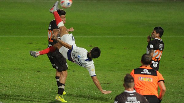 el-gol-del-campeonato:-gabriel-rojas-y-una-acrobacia-digna-del-premio-puskas