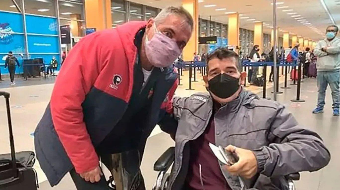 el-gran-gesto-de-arsenal-con-un-entrenador-argentino-que-estaba-varado-en-peru-y-necesitaba-volver-al-pais-para-tratarse-un-tumor