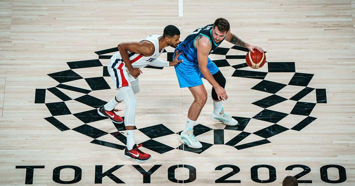 basquet:-francia-dio-el-golpe-ante-la-eslovenia-de-doncic-y-jugara-por-el-oro-ante-estados-unidos
