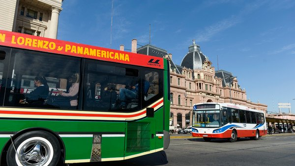 el-gobierno-elimino-las-restricciones-a-la-cantidad-de-pasajeros-en-el-transporte-publico